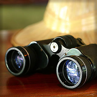 Adventure_binoculars