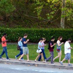 Iphones-teenagers